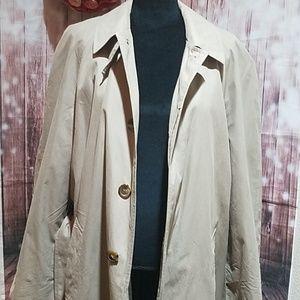 JoS. A.Bank 40R classic tan trench coat
